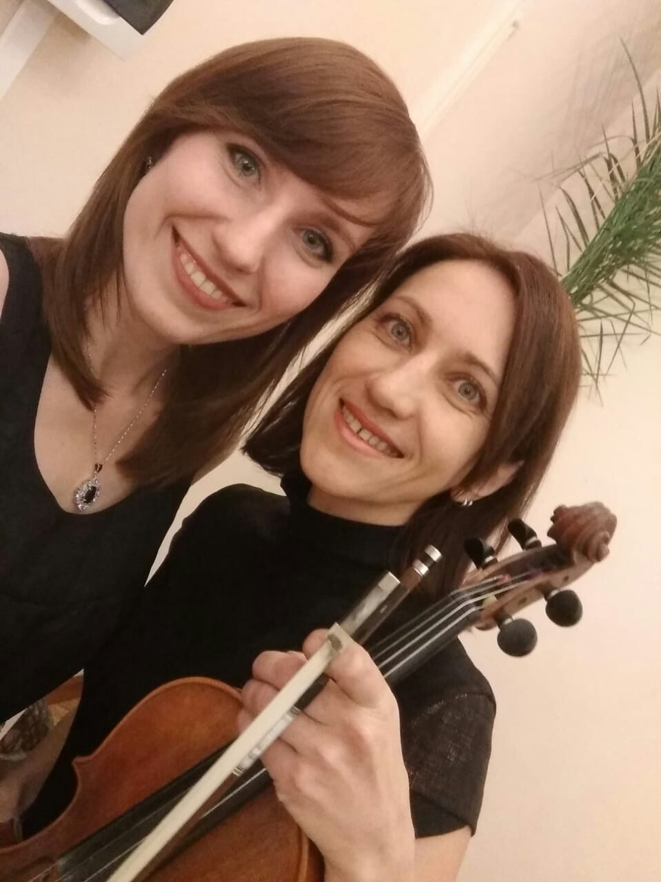 Вика и Надя